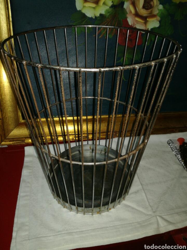 PAPELERA VINTAGE DE METAL (Segunda Mano - Hogar y decoración)