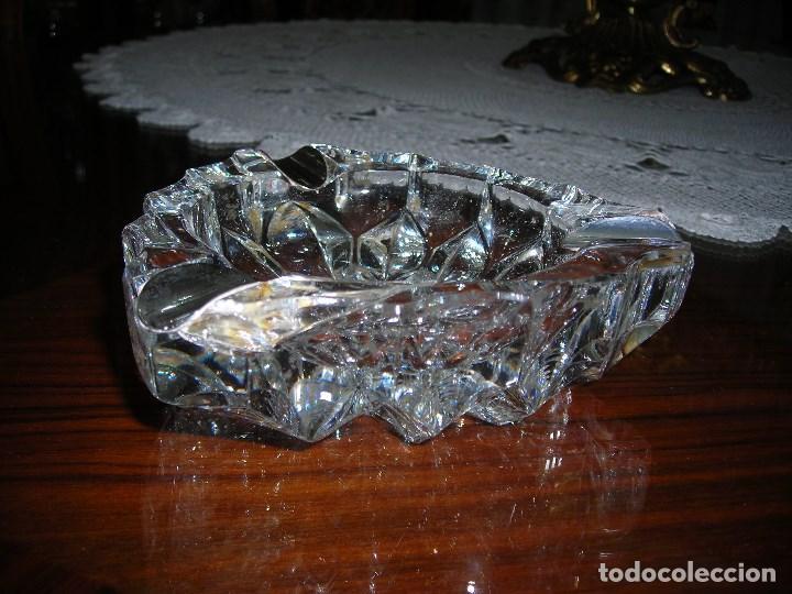 Segunda Mano: Cenicero de plata de ley (Contrastada) y cristal tallado al diamante.Transparente.Plata de ley. - Foto 3 - 124234011