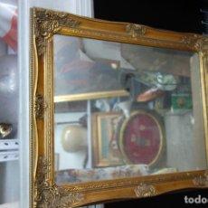 Segunda Mano: ESPEJO CON MARCO DE MADERA DE LOS AÑOS 50 NUEVO A ESTRENAR. Lote 124919935