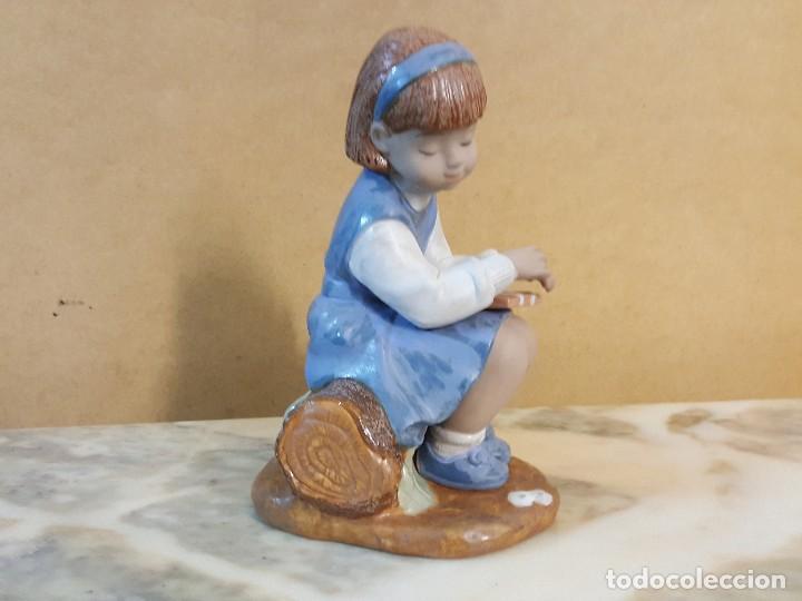 Segunda Mano: Figura de Niña sentada sobre tronco - Foto 2 - 128126839