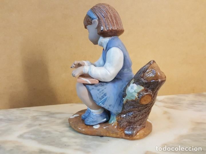 Segunda Mano: Figura de Niña sentada sobre tronco - Foto 4 - 128126839