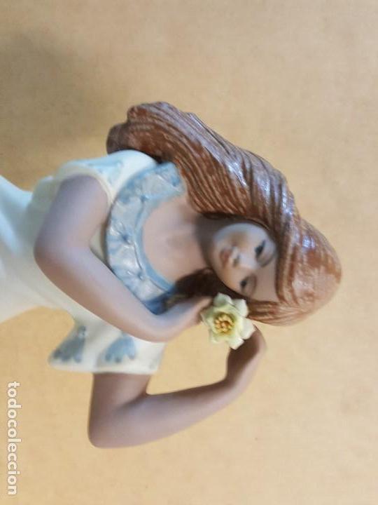 Segunda Mano: Figura de cerámica Valenciana CERAGAN. Mujer con flor en la cabeza - Foto 7 - 128126931