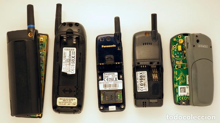 31dd1f28352 Segunda Mano: 5 teléfonos móviles de diferentes marcas: Ericsson, Motorola,  Panasonic,