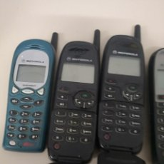 Segunda Mano: 7 TELÉFONOS MARCA MOTOROLA VINTAGE SIN CARGADOR NI BATERÍA IDEA COLECCIONISTAS . Lote 133731298