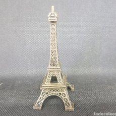 Zweite Hand - Torre eifel souvenir - car55 - 134095226