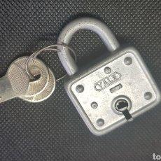 Zweite Hand - Pequeño y antiguo candado - car55 - 134097345