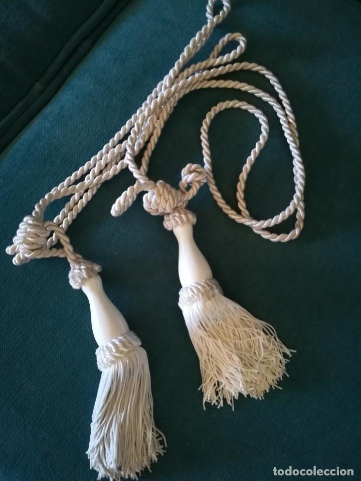 2 ABRAZADERAS PARA CORTINAS, CORDON Y PORCELANA. ALZAPAÑOS.BORLA, BORLON. (Segunda Mano - Hogar y decoración)