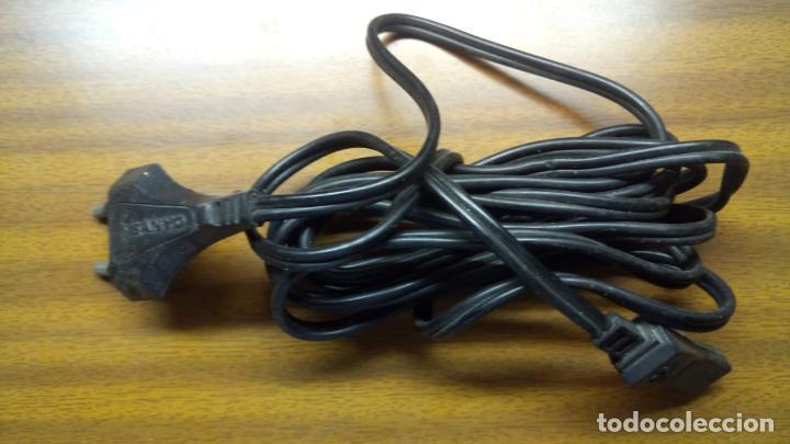 Segunda Mano: CABLE DE CORRIENTE DE APARATO ELECTRÓNICO. - Foto 2 - 139159646