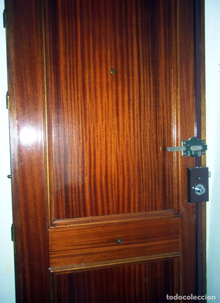 Segunda Mano: Puerta blindada de madera - Foto 3 - 139606846