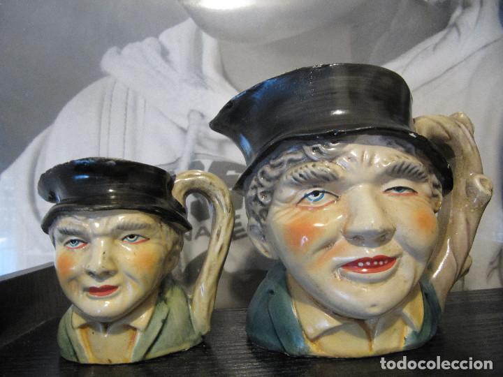 LOTE 2 ANTIGUAS JARRAS DE CABEZUDOS PINTADOS A MANO (Segunda Mano - Hogar y decoración)
