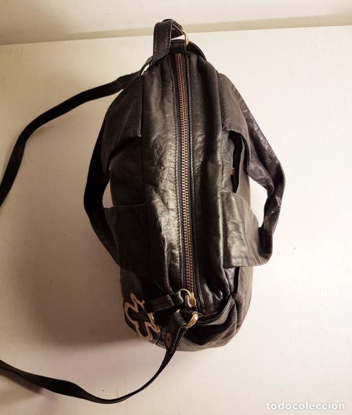Segunda Mano: Bolso bandolera TOUS. Piel genuina (napa) negra, en excelente estado. - Foto 9 - 145759226