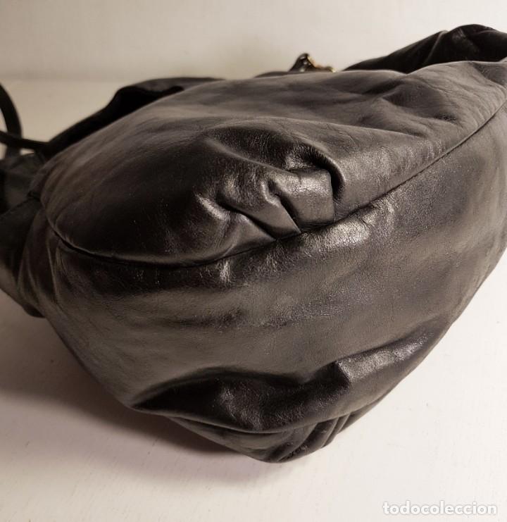 Segunda Mano: Bolso bandolera TOUS. Piel genuina (napa) negra, en excelente estado. - Foto 11 - 145759226