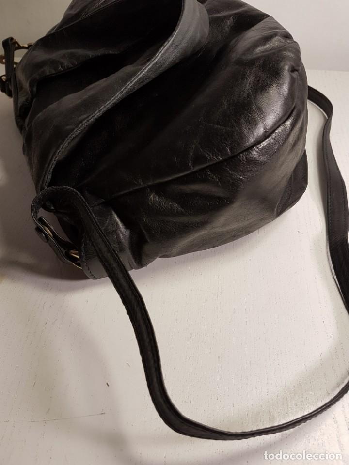 Segunda Mano: Bolso bandolera TOUS. Piel genuina (napa) negra, en excelente estado. - Foto 13 - 145759226