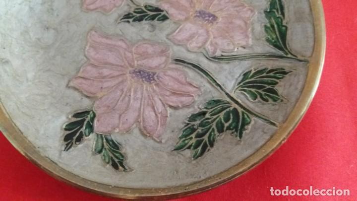 Segunda Mano: Plato de bronce con esmalte - Foto 2 - 145994710