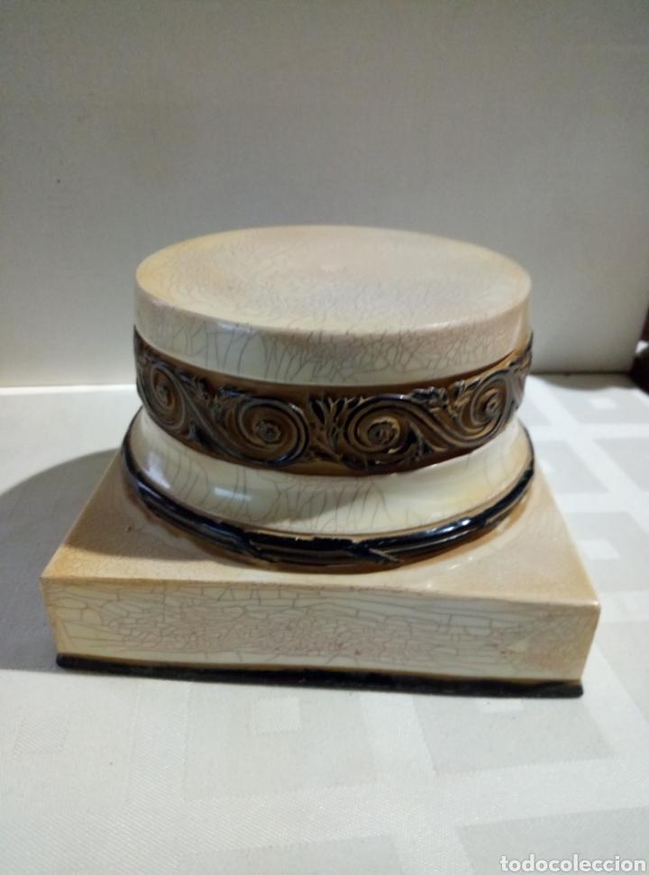Segunda Mano: Peana símil mármol - Foto 2 - 149297778