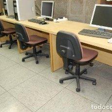 Segunda Mano: MESA DE OFICINA EN MADERA PARA TRES PUESTOS DE TRABAJO. Lote 150287126