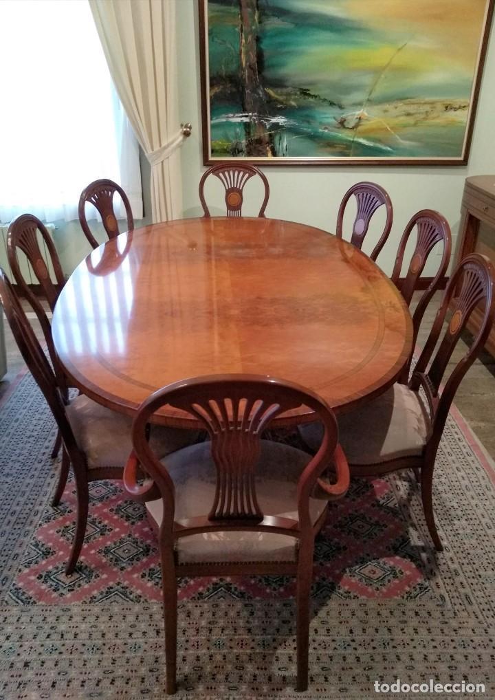 Mesa comedor, 2 sillas de cabecera con reposabrazos y 6 sillas