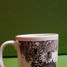 Segunda Mano: TAZA MUG REVOLVER - THE BEATLES. Lote 154572422