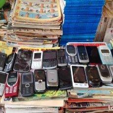 Segunda Mano: LOTE 35 TELEFONOS MOVILES NOKIA 8210 SONY SIEMENS MOTOROLA ETC MAS 7 CARGADORES. Lote 157215738