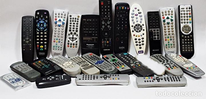 GRAN LOTE DE 24 MANDOS TV,DVD,ETC:: (Segunda Mano - Artículos de electrónica)
