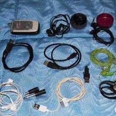 Segunda Mano: LOTE COMPUESTO POR 10 AURICULARES, 3 CONEXIONES USB, 2 CABLES AUDIO-VIDEO,2 ADAPTADORES Y 1 TELÉFONO. Lote 159943718