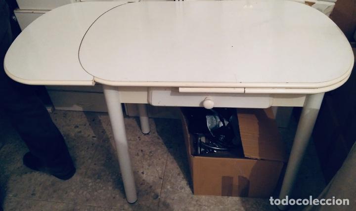 Mesa de Cocina + 2 sillas