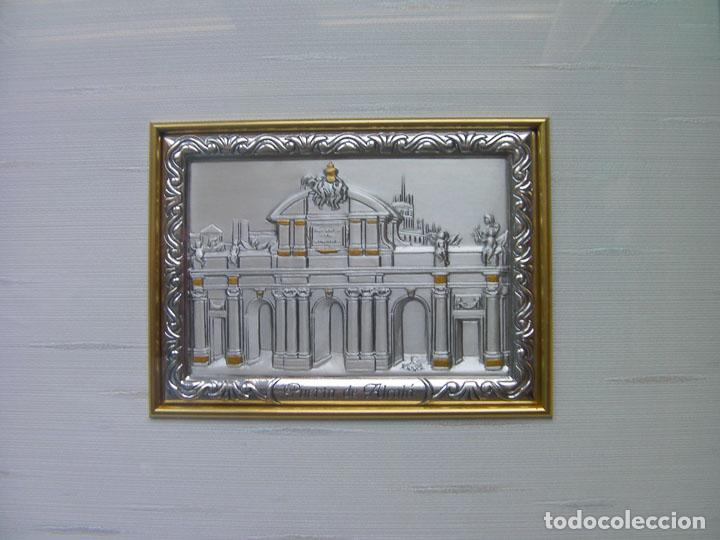 Segunda Mano: Cuadro la puerta de Alcala Madrid en plata con certificado tamaño 34x31 cm. Ver fotos adicionales - Foto 2 - 161901662