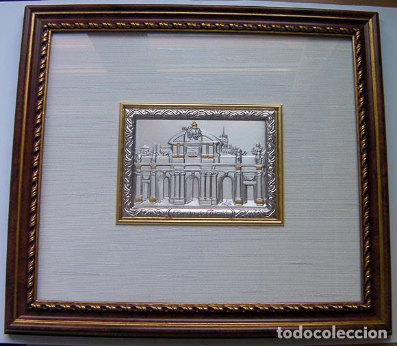 Segunda Mano: Cuadro la puerta de Alcala Madrid en plata con certificado tamaño 34x31 cm. Ver fotos adicionales - Foto 5 - 161901662