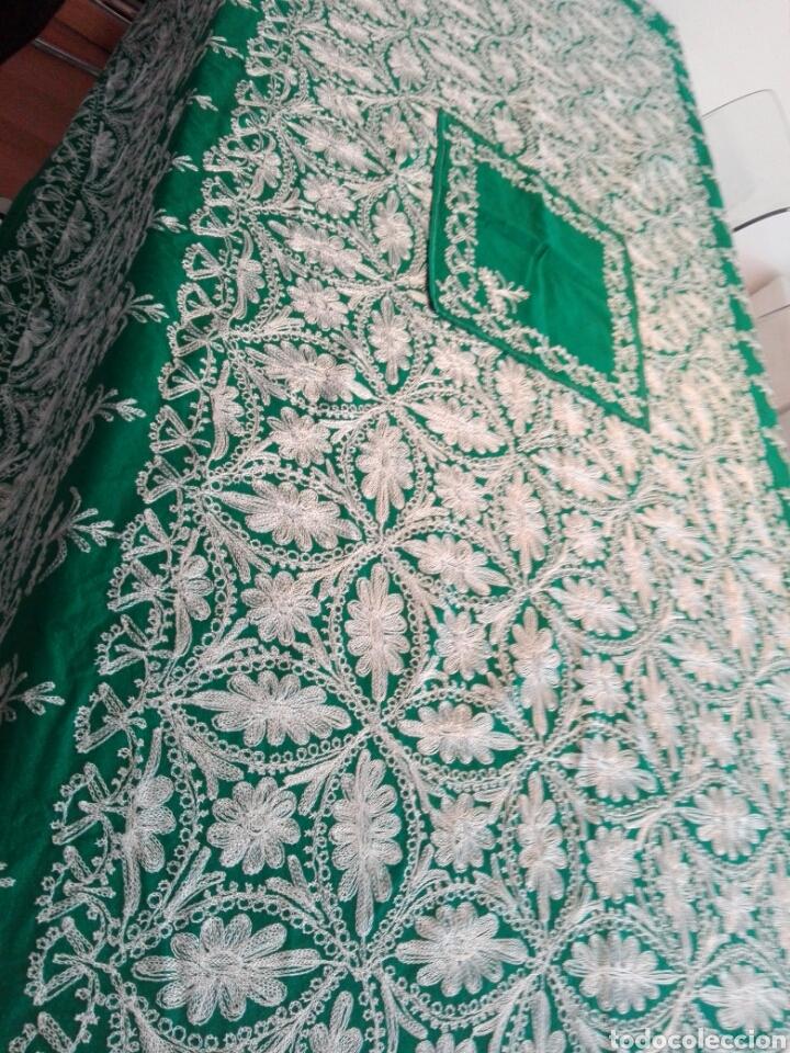 Segunda Mano: Mantel vintage india en verde bordado en hilo de cadeneta blanco ideal traje de Imagen Virgen o niño - Foto 5 - 163735462