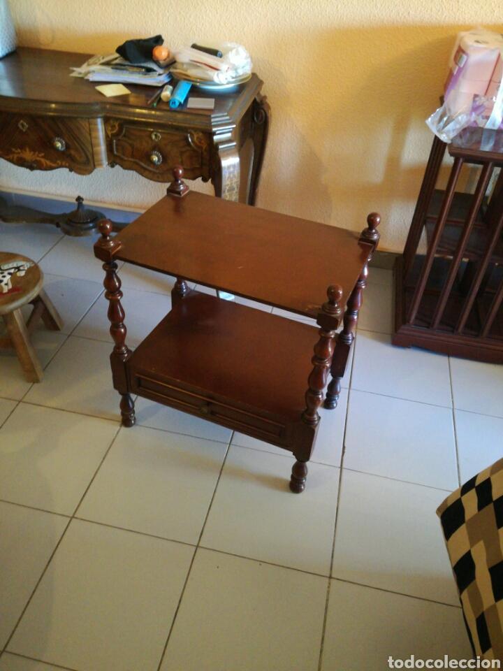 Segunda Mano: Mesa auxiliar madera noble - Foto 2 - 166288612