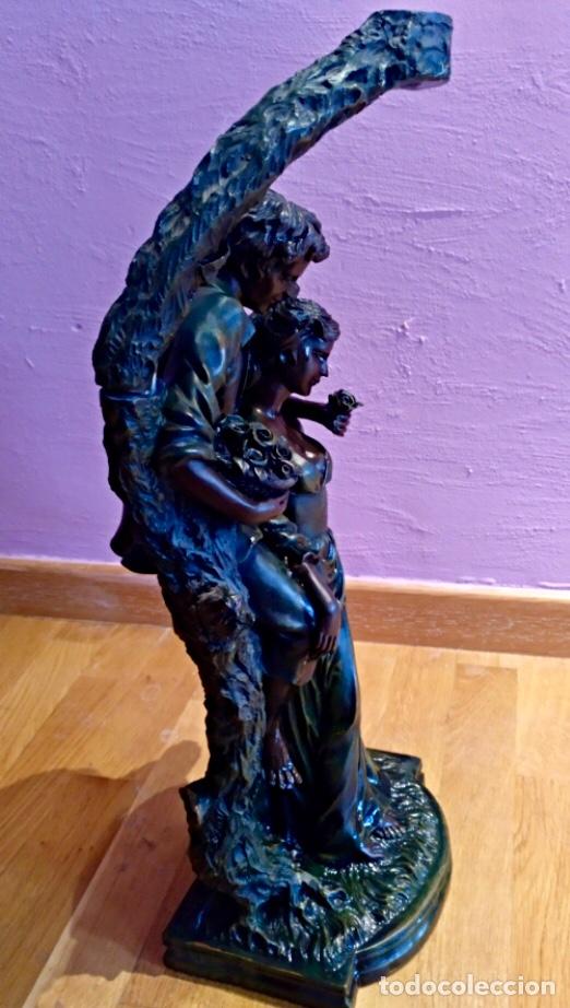 Segunda Mano: Figura resina. Enamorados. 58 x 25 cm aprox. Color verde oscuro - Foto 2 - 115090615
