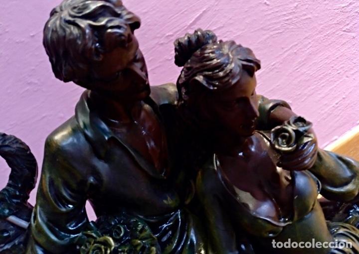 Segunda Mano: Figura resina. Enamorados. 58 x 25 cm aprox. Color verde oscuro - Foto 5 - 115090615