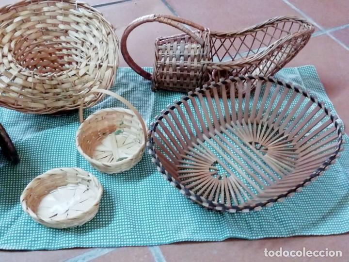 CESTOS EN MIMBRE Y OTROS MATERIALES NATURALES (Segunda Mano - Hogar y decoración)