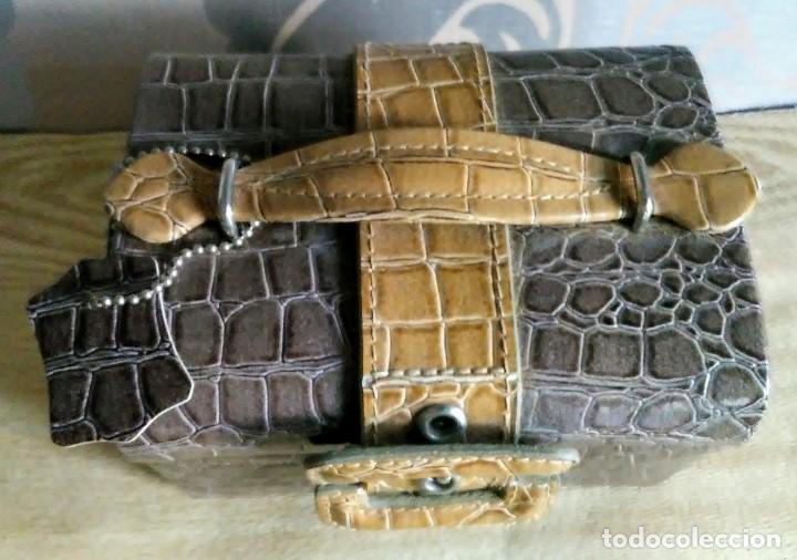 Segunda Mano: Joyero joyerito baul simil piel de cocodrilo interior gamuza - Foto 2 - 170027964