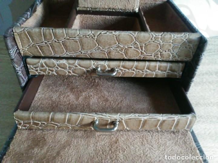 Segunda Mano: Joyero joyerito baul simil piel de cocodrilo interior gamuza - Foto 4 - 170027964