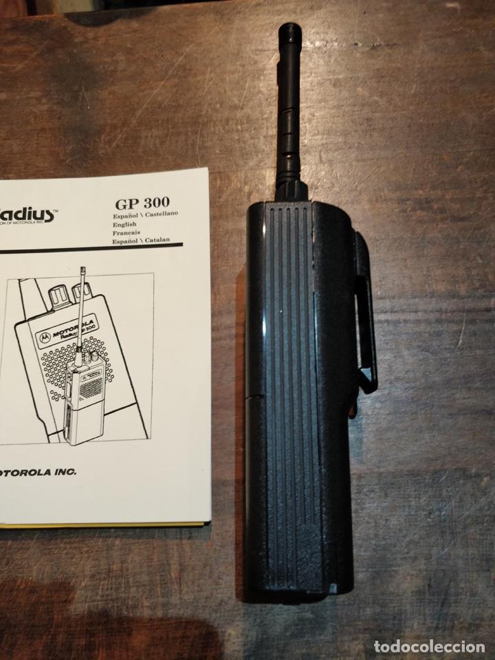 Segunda Mano: Pareja de Motorola Radios GP300 con manual de instrucciones original - Foto 4 - 194376675