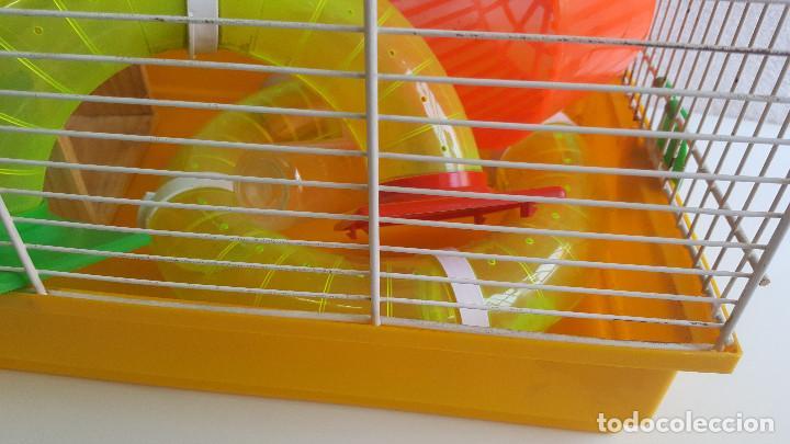 Segunda Mano: Jaula de hamster con comedero, bebedero, casita, escalera, plataforma y rueda PARESE COMPLETO - Foto 3 - 171634708