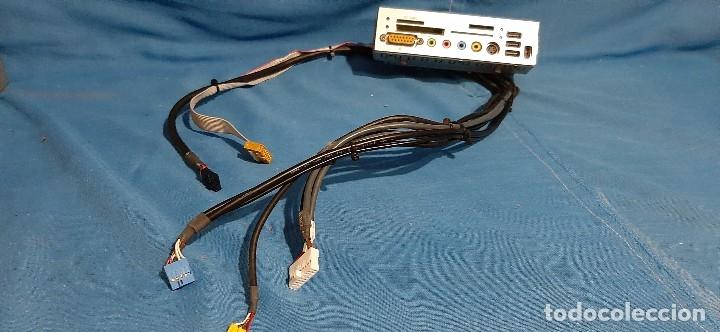 LECTOR TARJETAS USB BAHIA 5.25 . ENTRADA Y SALIDA DE AUDIO.SALIDA DE VIDEO.FIREWARE.. (Segunda Mano - Artículos de electrónica)