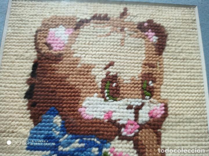 Segunda Mano: PEQUEÑO CUADRO EN PUNTO con oso , 2000 - Foto 2 - 180344547