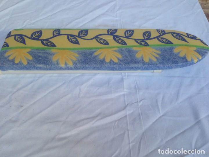 Segunda Mano: TABLA DE PLANCHAR PEQUEÑA DE VIAJE 40X11X3,5 CTM - Foto 3 - 183427771