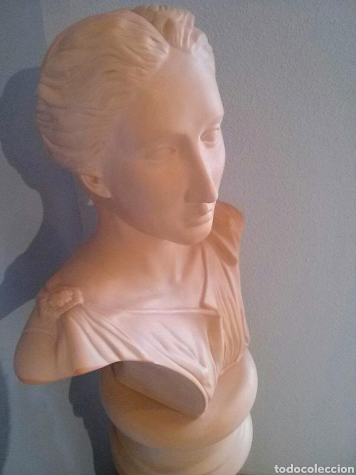 Segunda Mano: Pedestal y busto .( CERAMICA BONDÍA.) - Foto 2 - 183739470