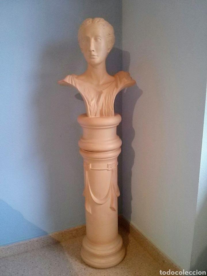 Segunda Mano: Pedestal y busto .( CERAMICA BONDÍA.) - Foto 4 - 183739470