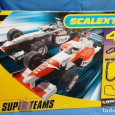 Segunda Mano: SCALEXTRIC F1 SUPER TEAMS MCLAREN MERCEDES MP4-16 & TOYOTA F1.. Lote 184062377