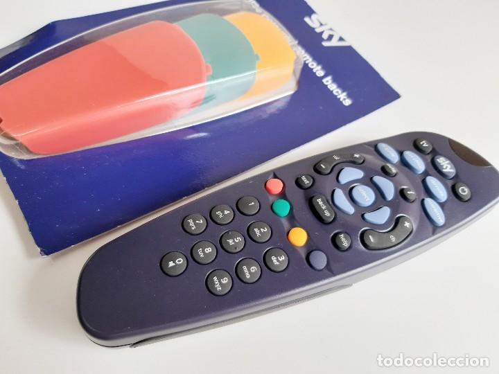 Segunda Mano: Sky TV DIGITAL Control RemotO + 3 CARCASAS DE RECAMBIO - Foto 4 - 189564223