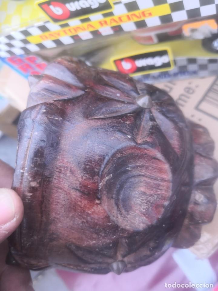 Segunda Mano: Mortero almirez en madera ligera tallada con tachuelas - Foto 6 - 190576546