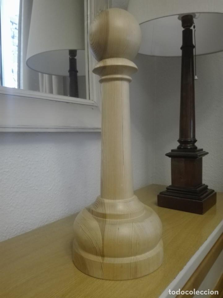 PEÓN DE MADERA GRAN TAMAÑO (Segunda Mano - Hogar y decoración)