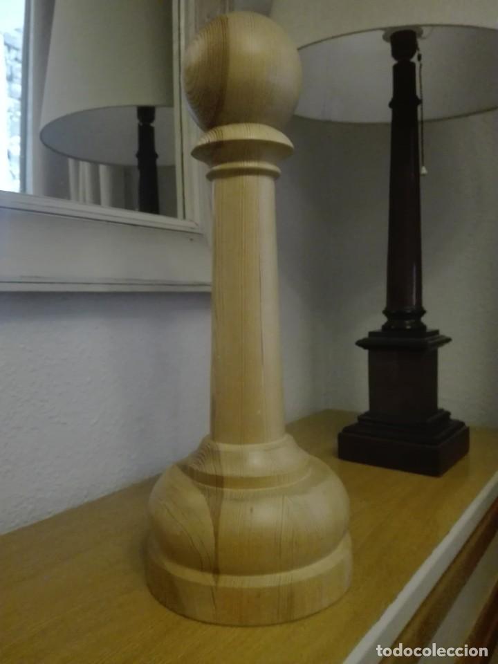 Segunda Mano: Peón de madera gran tamaño - Foto 2 - 190594002