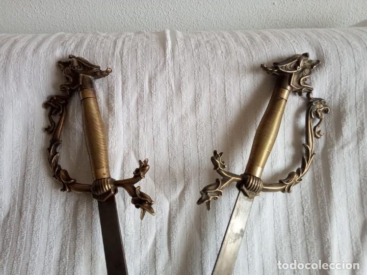 Segunda Mano: pareja de espadas toledanas para decoración mango cobre con filigrana - Foto 2 - 198083402