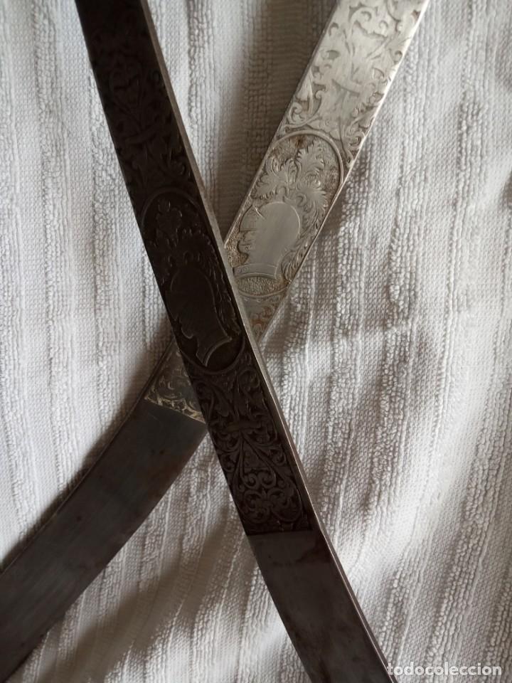 Segunda Mano: pareja de espadas toledanas para decoración mango cobre con filigrana - Foto 4 - 198083402
