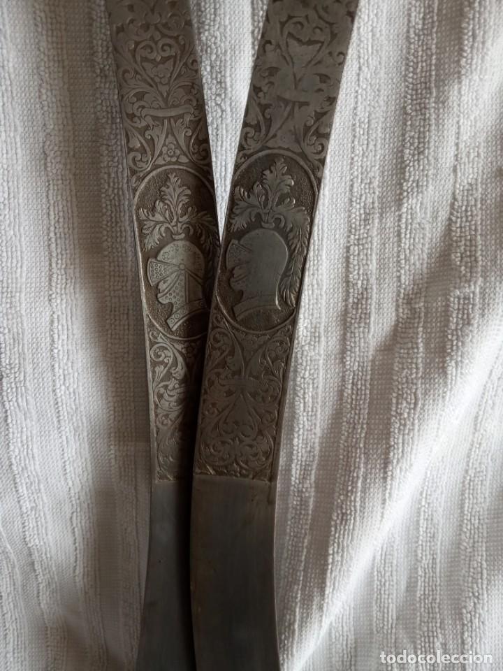 Segunda Mano: pareja de espadas toledanas para decoración mango cobre con filigrana - Foto 6 - 198083402